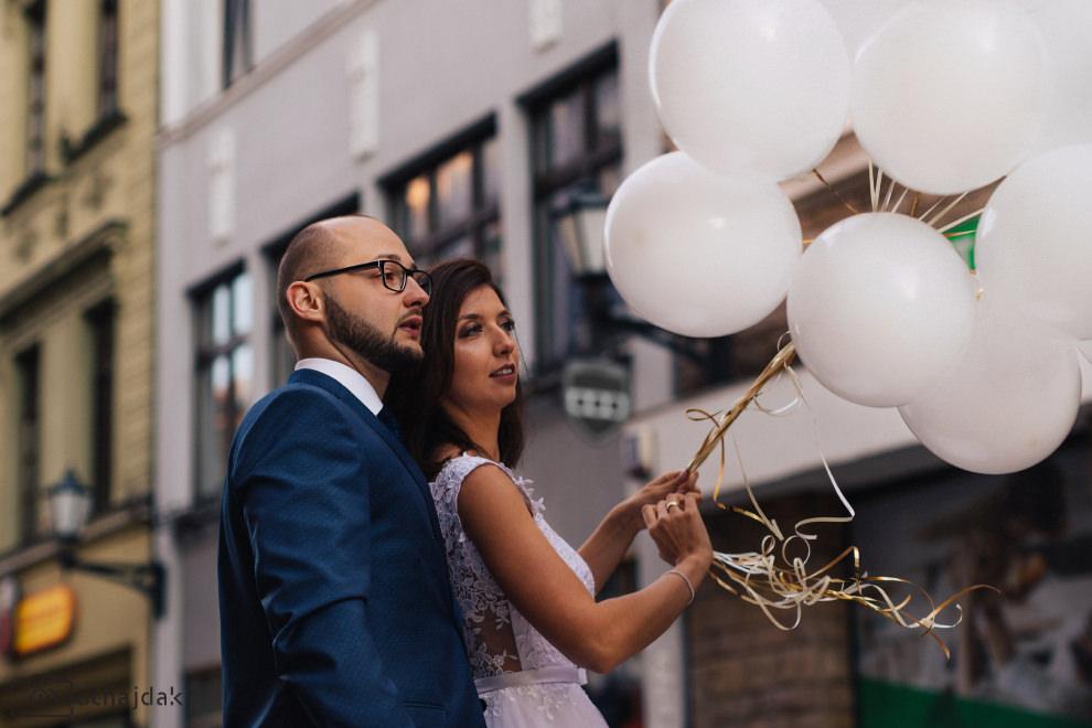 Plener ślubny miasto balony